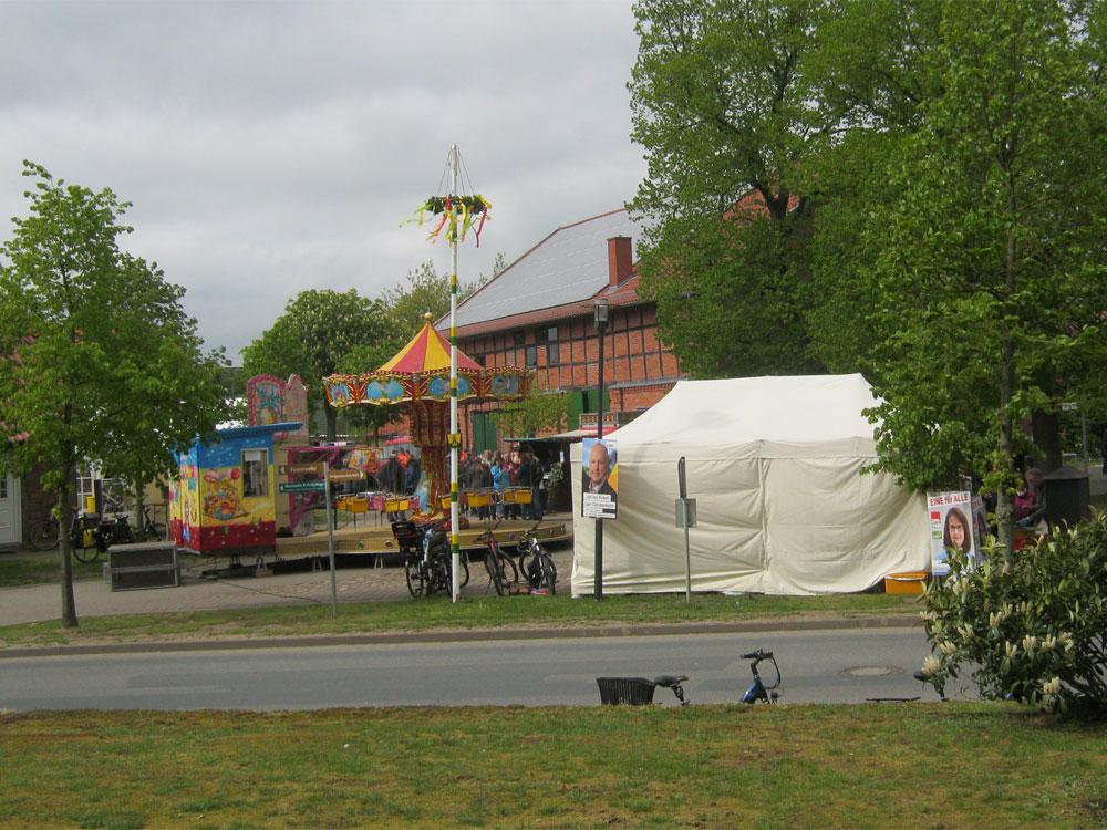 Das Maifest und sein Baum.- Maifest Hittbergen Fotogalerie -