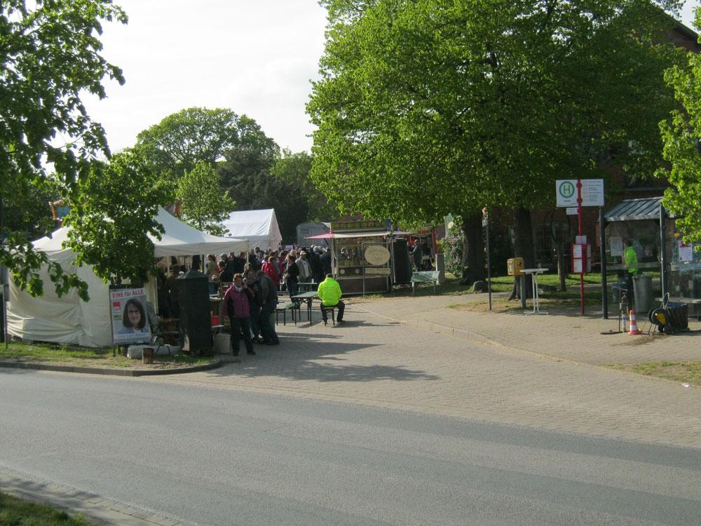 Der Festplatz von der anderen Seite.- Maifest Hittbergen Fotogalerie -